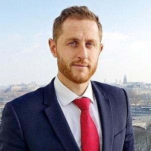 Romain Castelli - Avocat spécialisé en droit des sociétés