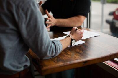 Tout savoir sur le contrat de travail : classification et coefficient