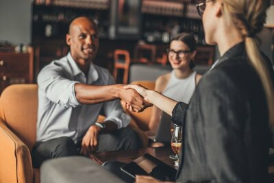contrat de franchise et contrat de licence de marque
