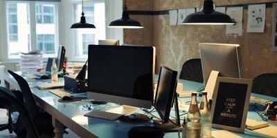 startup-office-788446-edited.jpg