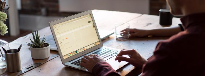 Travail en freelance : l'importance d'un contrat personnalisé