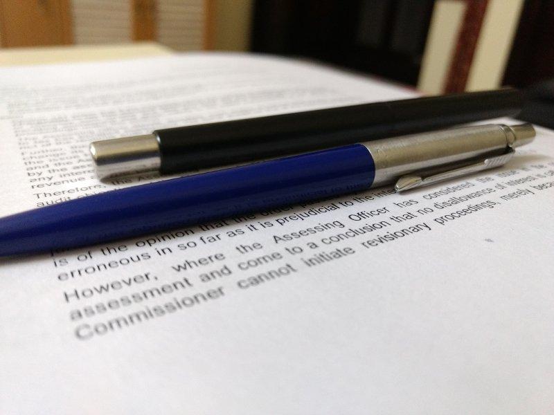 La rédaction d'un contrat de prestation de services dans une association