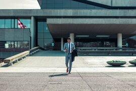 Comment devenir courtier en assurances : explications