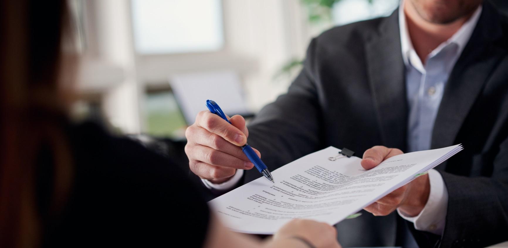 Contrat de prestation de services : les clauses et obligations